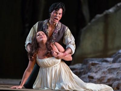 Met Opera Il Trovatore